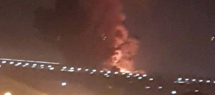 كانت شحنة أسلحة اماراتية متوجهة لدولة أخرى.. إعلامية مصرية تكشف حقيقة انفجار مطار القاهرة