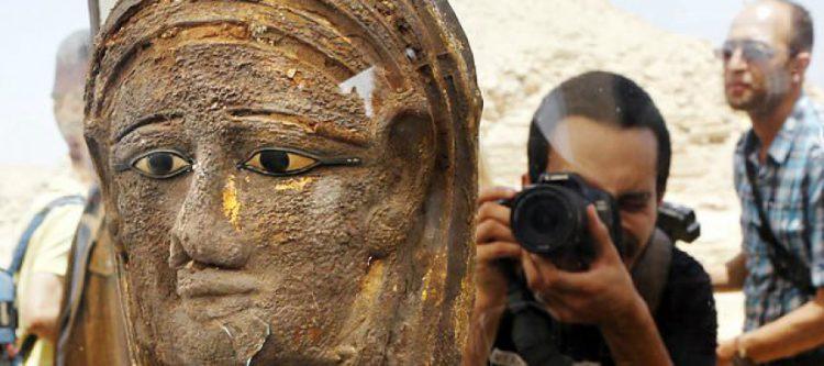 """بالصور.. الكشف عن """"معمل تحنيط"""" فرعوني عمره 2500 سنة بالقرب من الأهرامات المصرية!"""