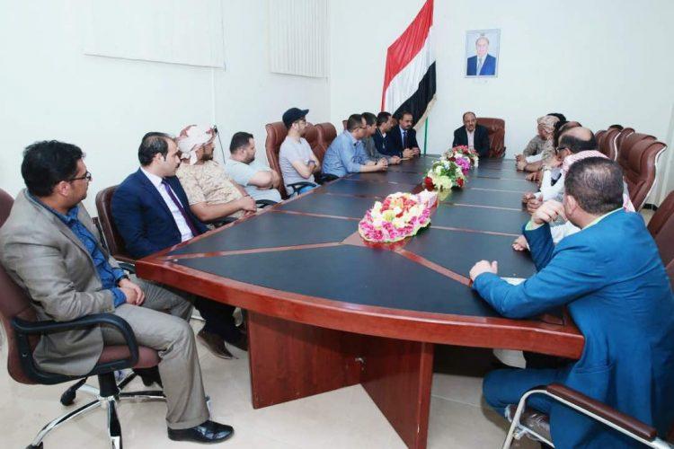 نائب رئيس الجمهوري يلتقي الوفد الاعلامي ويؤكد على ضرورة انطلاق الإعلام الرسمي من تضحيات الشعب اليمني