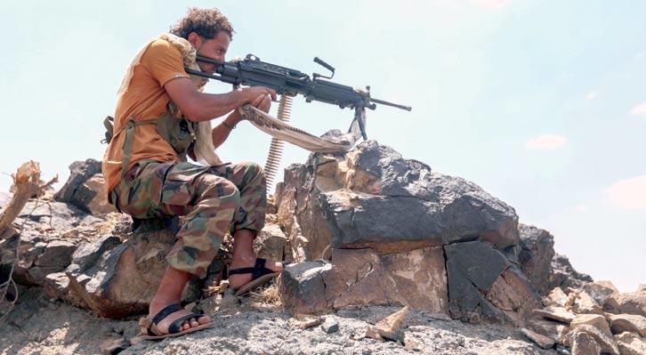 معارك عنيفة تخوضها قوات الجيش الوطني ضد المليشيات الانقلابية غربي القبيطة