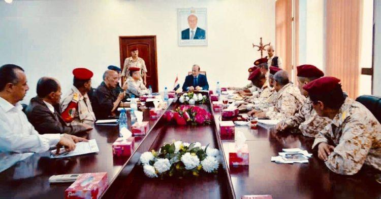 اللجنة الأمنية في تعز تقر إزالة حواجز التفتيش على طريق تعز – عدن