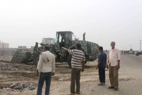 وزارة الداخلية تستأنف حملة إزالة العشوائيات والبسط على الأرضي في عدن