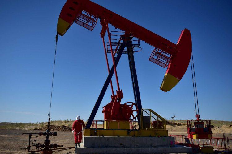 """أسواق النفط تواجه """"عاصفة"""" حتمية بسبب العقوبات على إيران"""
