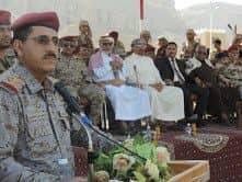 رئيس هيئة الأركان يعقد اجتماعاً موسعاً بقادة الألوية ورؤساء الشعب بالمنطقة العسكرية الثانية