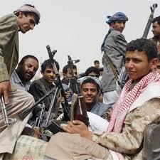 مصرع طفل يقاتل مع مليشيا الحوثي على يد أحد عناصرها في جبهة الساحل الغربي