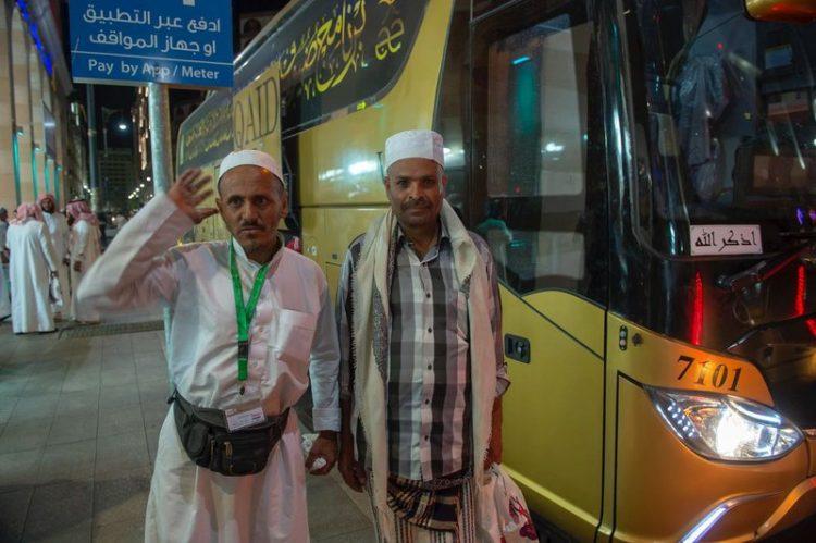 ضيوف خادم الحرمين من ذوي شهداء الجيش الوطني يغادرون المملكة اليوم