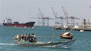 التحالف يمنح سفينتين تصاريح دخول إلى ميناء الحديدة