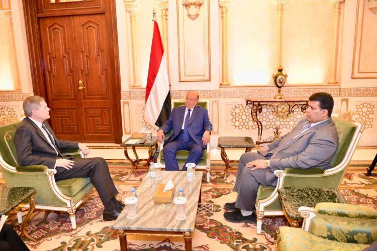الرئيس هادي يلتقي السفير الامريكي وهذا ما دار خلال اللقاء!