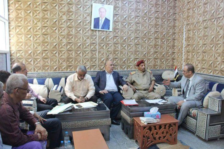 وزير الداخلية يوجه بتشكيل لجنة لدراسة ادخال 4 ميجاوات لكهرباء محافظة ابين