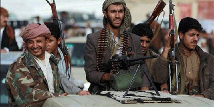 مليشيا الحوثي تعتدي على مواطن في عمران بالضرب وتقوم باختطافه