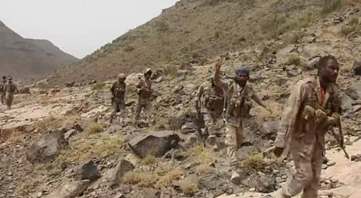 قوات الجيش الوطني تعثر على مخزن أسلحة لمليشيا الحوثي في محور علب بمديرية باقم