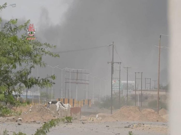 الحديدة: قوات الجيش الوطني تسيطر على كيلو7 والمليشيات تزرع مئات الألغام لإعاقة تقدمها