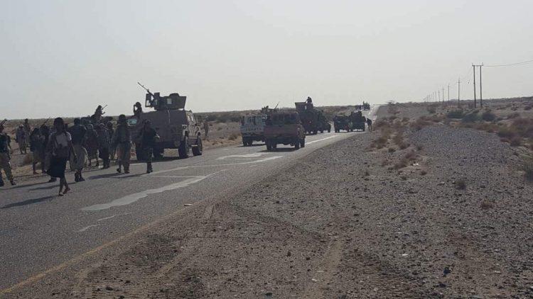 استعدادا لخوض عمليات عسكرية كبرى.. التحالف يدفع بتعزيزات عسكرية الى الحديدة