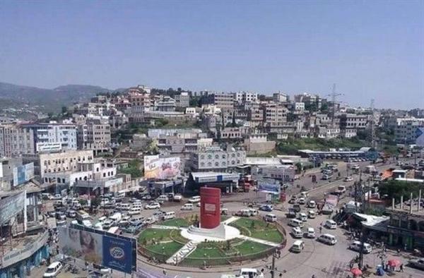 سكان يعثرون على جثتين لمواطنين قتلا بظروف غامضة في محافظة إب