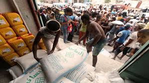 تجدد المعارك مع مليشيا الحوثي الانقلابية في الحديدة وأزمة في الوقود والمواد الغذائية