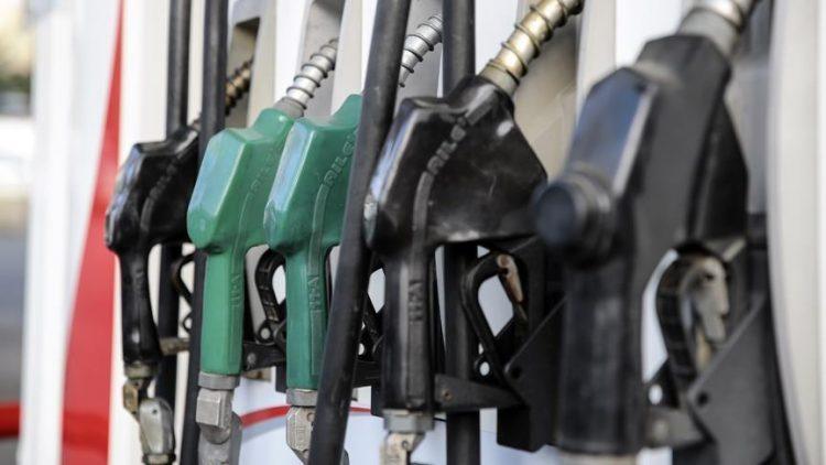 إيران: طوابير السيارات أمام محطات الوقود بطهران