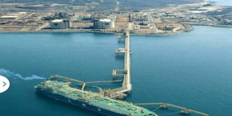 وزارة النفط والمعادن تنفي شائعة حول منع عملية تصدير الغاز الطبيعي