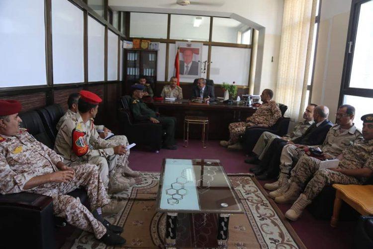 اللجنة الأمنية في تعز تعقد اجتماعا للوقوف على المستجدات الأمنية وتؤكد حرصها على ضرورة تماسك الجبهة الداخلية