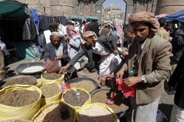 البنك الدولي: الحرب تقلص اقتصاد اليمن وانخفاض الصراع قد يساعد على زيادة الاستقرار
