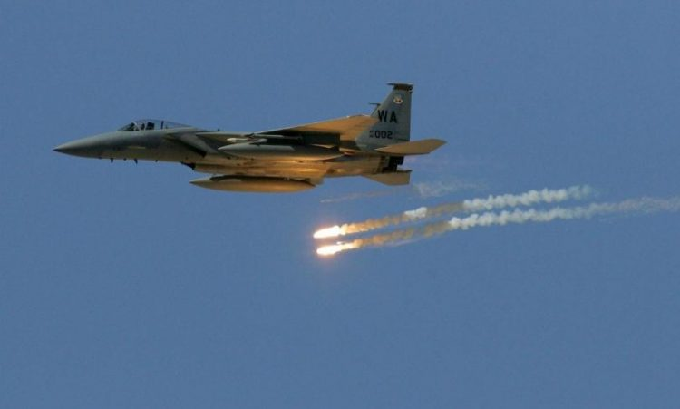 طيران التحالف العربي يشن غارات جوية على مواقع مليشيا الحوثي جنوبي صنعاء