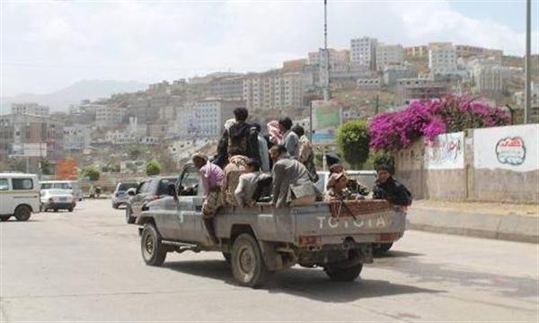 مليشيا الحوثي تغلق منشأة طبية حكومية بعد محاولاتها السطو على إلإيرادات في إب