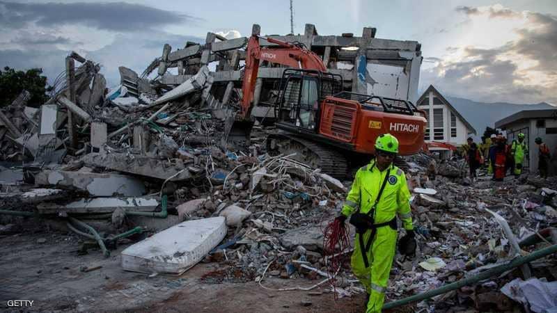 """آلاف المفقودين بزلزال إندونيسيا ومخاوف """"من الأسوأ"""""""