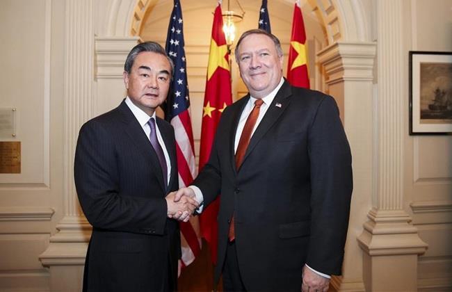 """بكين: وزيرا خارجية الصين وأمريكا يستهلا اجتماعهما بتبادل """"التوبيخ"""""""