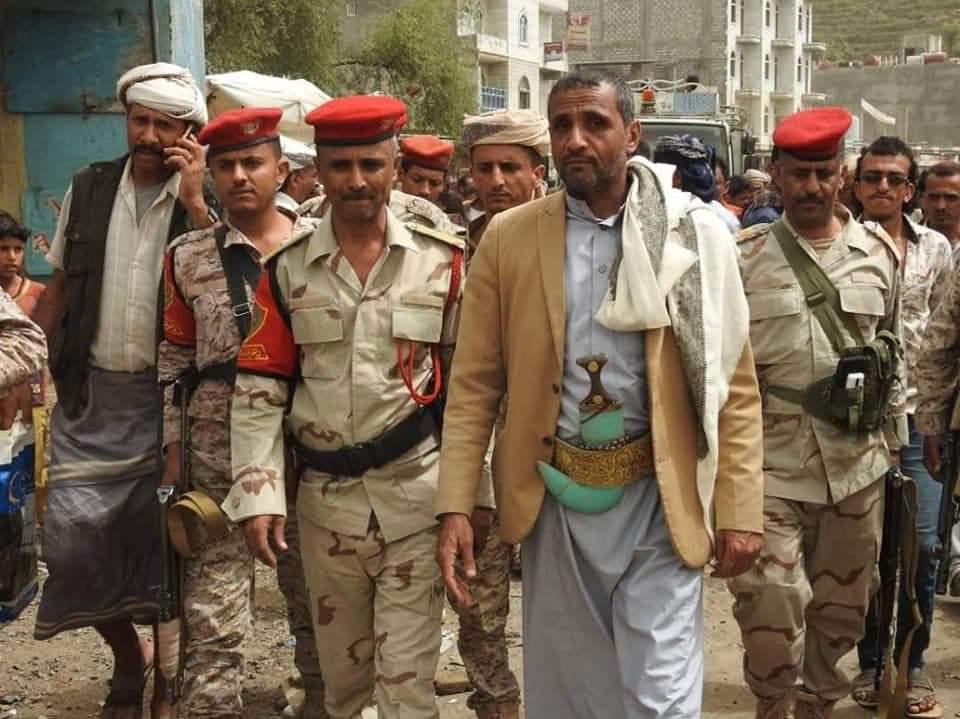 نجاة قائد في الجيش ومسؤول محلي من محاولة اغتيال في تعز