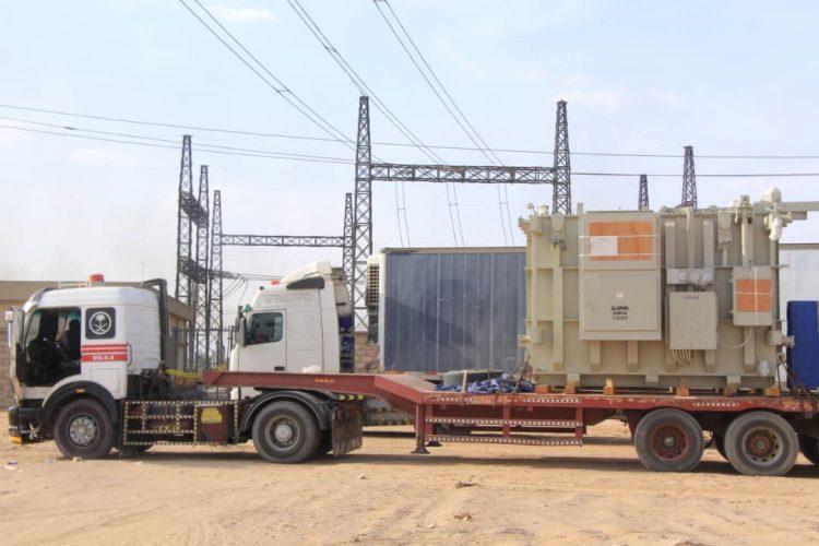 وصول محولين من كوريا الجنوبية لمحطة ربط كهرباء مأرب الغازية بقوة 40 ميجا