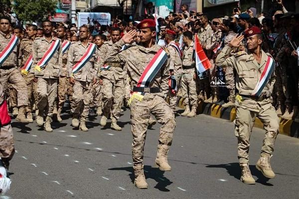 السلطات العسكرية والأمنية في تعز تحذر من التجنيد خارج إطار الدولة