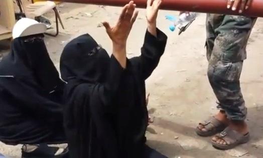 قهر أمهات اليمنيين.. أسوأ ما عايشه اليمنيون منذ قرون (تقرير)