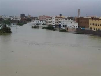 بعد تعرضها لإعصار لبان.. تحركات حكومية لإعادة الحياة إلى المهرة
