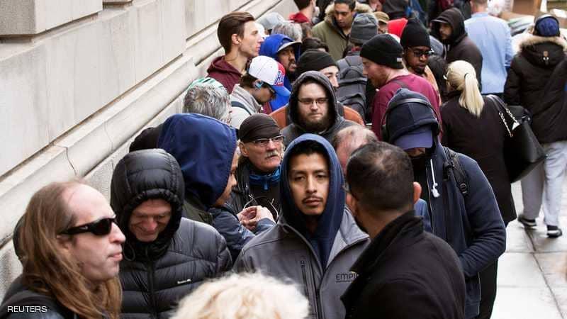 """أزمة """"طوابير"""" بعد تشريع الماريغوانا في كندا"""