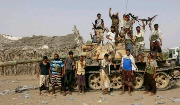 أسوشيتد برس: الجيش الوطني يحضر لهجوم واسع لتحرير محافظة الحديدة