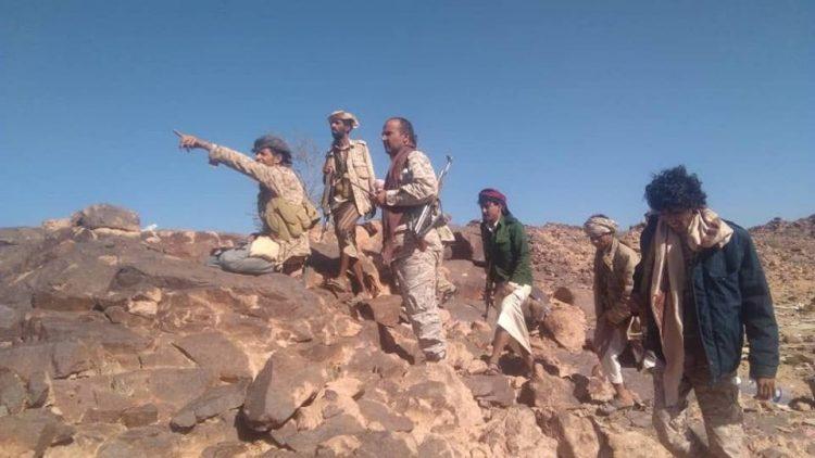 قوات الجيش تواصل تقدمها في البيضاء وتسيطر على منطقة مجزعة غربي جبال الدير
