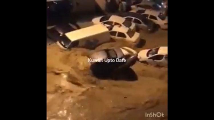 السيول تتدفق في شوارع الكويت ووزير الاشغال يقدم استقالته
