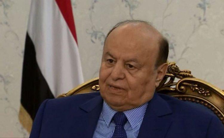 رئيس الجمهورية يطلع على سير العمليات العسكرية في الحديدة ويشيد ببطولات قوات الجيش