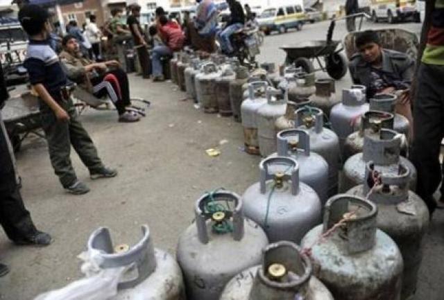 بسبب طابور الغاز.. مقتل 4 مواطنين بانفجار قنبلة في صنعاء