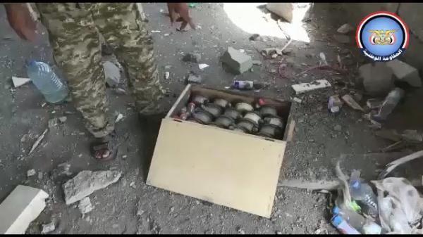 الفرق الهندسية تعثر على معمل متفجرات تابع لمليشيا الحوثي داخل مسجد بمدينة الحديدة