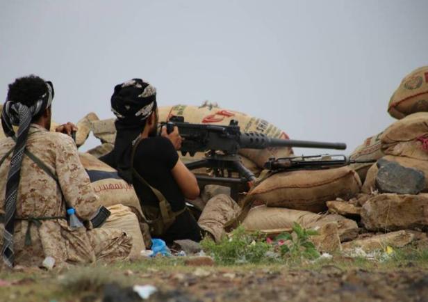قوات الجيش تواصل تقدمها غرب تعز وتحرر عزلة اليمن بمديرية مقبنة