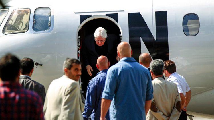 المبعوث الأممي يواصل مساعيه ويتجه إلى الرياض للقاء مسؤولين في الحكومة اليمنية