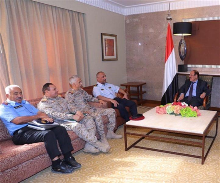 نائب رئيس الجمهورية يلتقي رئيس مصلحة خفر السواحل اليمنية