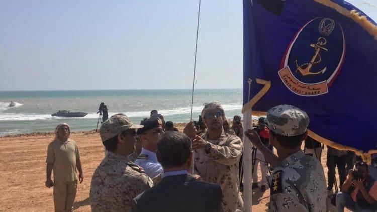 خفر السواحل اليمنية تتسلم مهام تأمين وحماية الموانئ في حضرموت من التحالف العربي