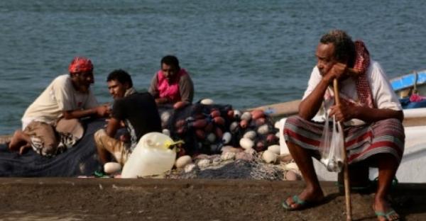 صيادو الحديدة بين خطر الموت جوعا في منازلهم أو قصفا في البحر إذا حاولوا الصيد