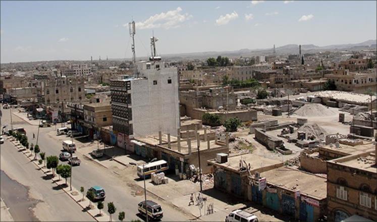 ذمار: أبناء عتمة يطردون المحافظ ووزير الكهرباء من صالة عزاء