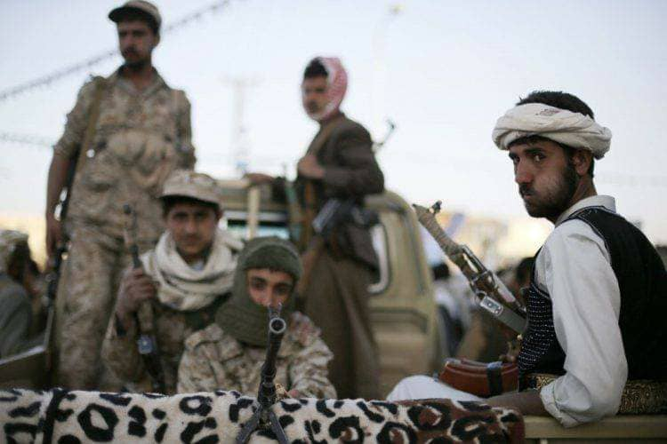 Houthis sells oil in Sanaa twice its value in Aden