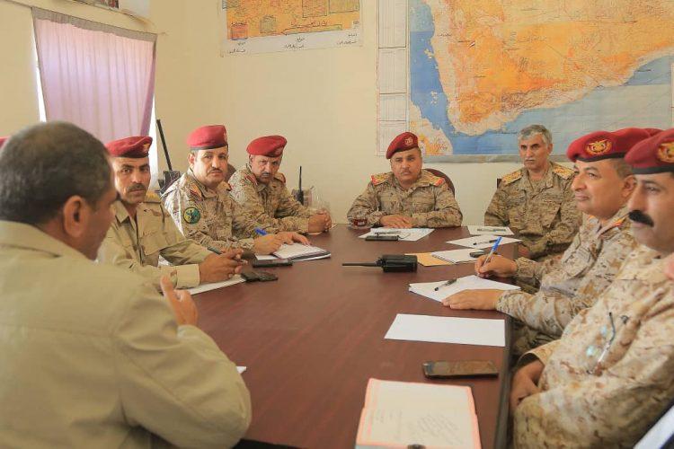 قيادات عسكرية تعقد اجتماعا في مأرب لمناقشة لمناقشة التطورات على مسرح العمليات العسكرية