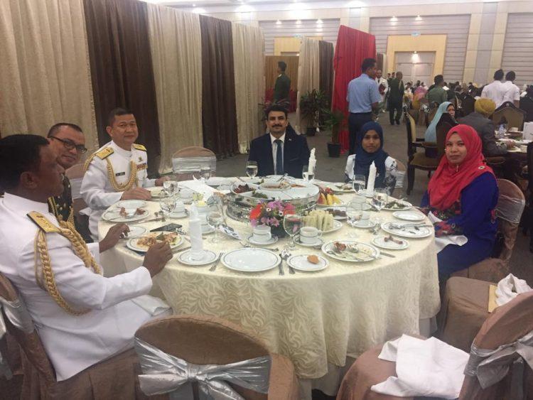 كوالالمبور.. السفارة اليمنية تشارك في حفل تخرج الدفعة (47) من كلية القيادة والأركان الماليزية