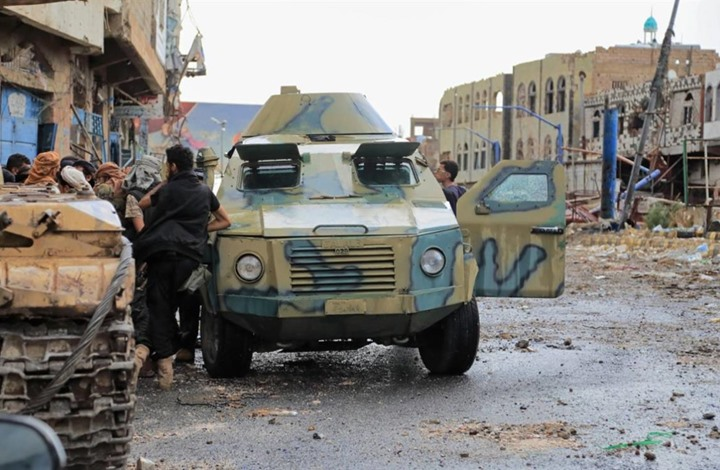 تعز: مصدر عسكري يكشف قرار إلغاء فصل كتائب ابو العباس عن قوات اللواء 35 (وثيقة)