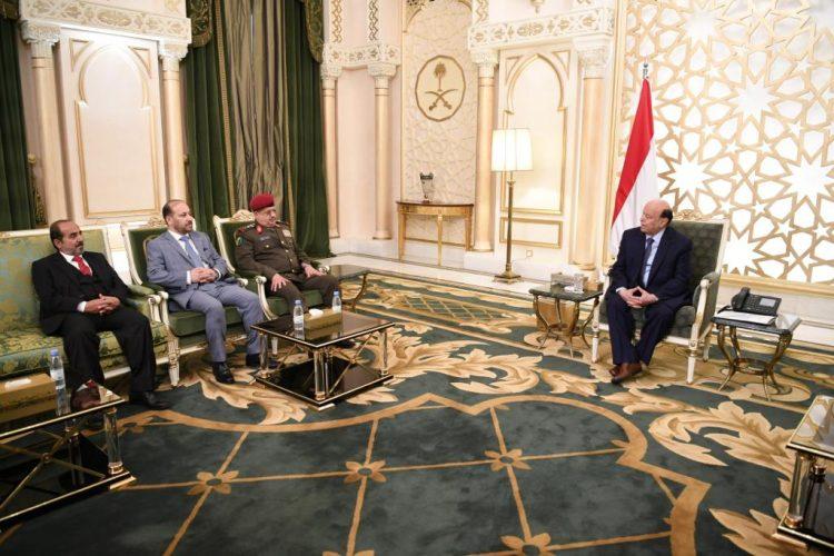 عدد من الوزراء واعضاء مجلس الشورى يؤدون اليمين الدستورية امام رئيس الجمهورية